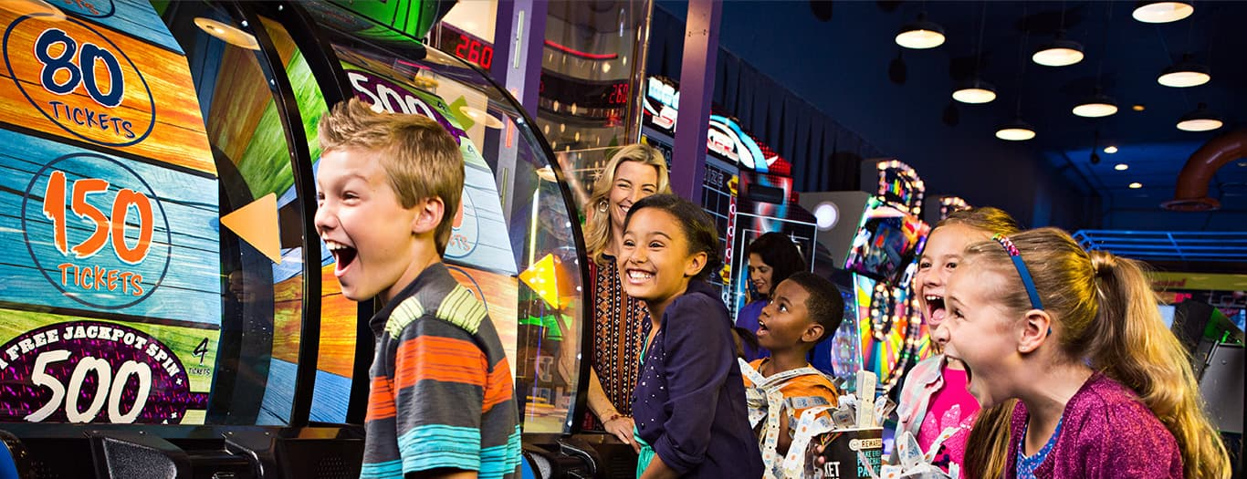 Dave buster 39 s throw a birthday party they ll never forget for Fun activities for adults in nyc